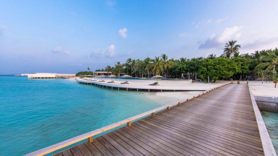 Amilla Fushi Luxury Resort and Residences - Baa Atoll, Maldives - Resort Oceanfront Infinity Edge Pool Deck