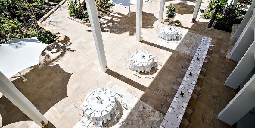 InterContinental Hayman Island Resort - Whitsunday Islands, Australia - Hayman Resort Outside Banquet Tables