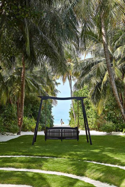 One&Only Reethi Rah Luxury Resort - North Male Atoll, Maldives - Relaxation Lawn Bench