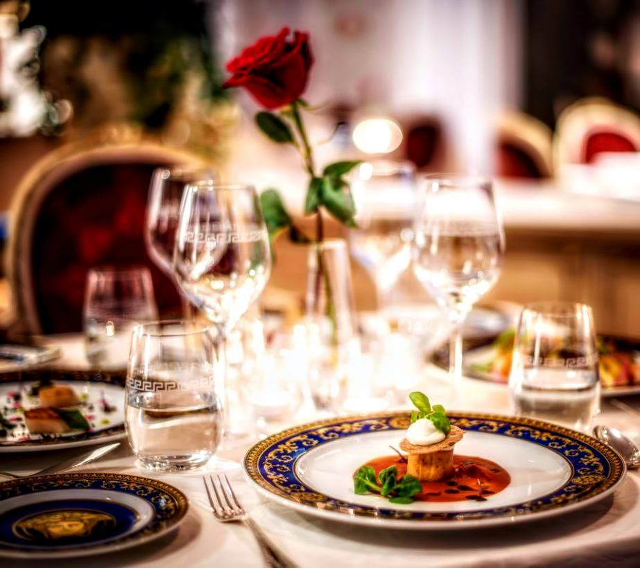 Palazzo Versace Dubai Hotel - Jaddaf Waterfront, Dubai, UAE - Dinning Service