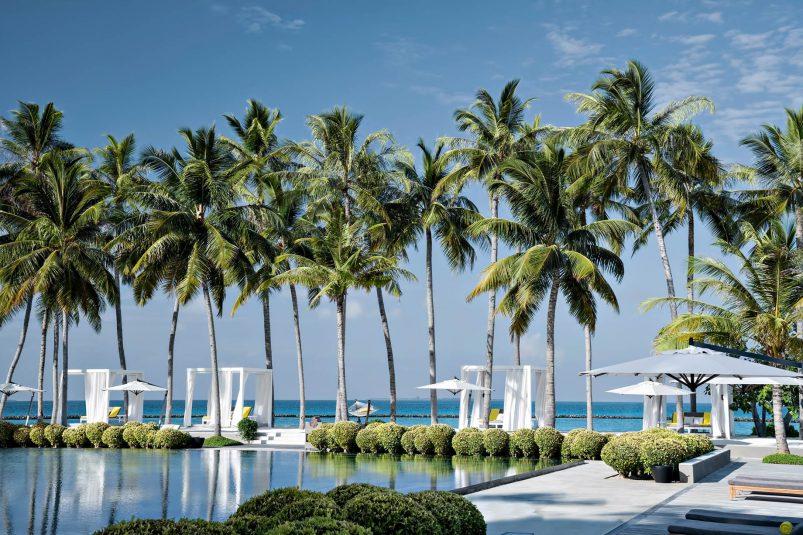 Cheval Blanc Randheli Luxury Resort - Noonu Atoll, Maldives - White Bar Beach Club Pool