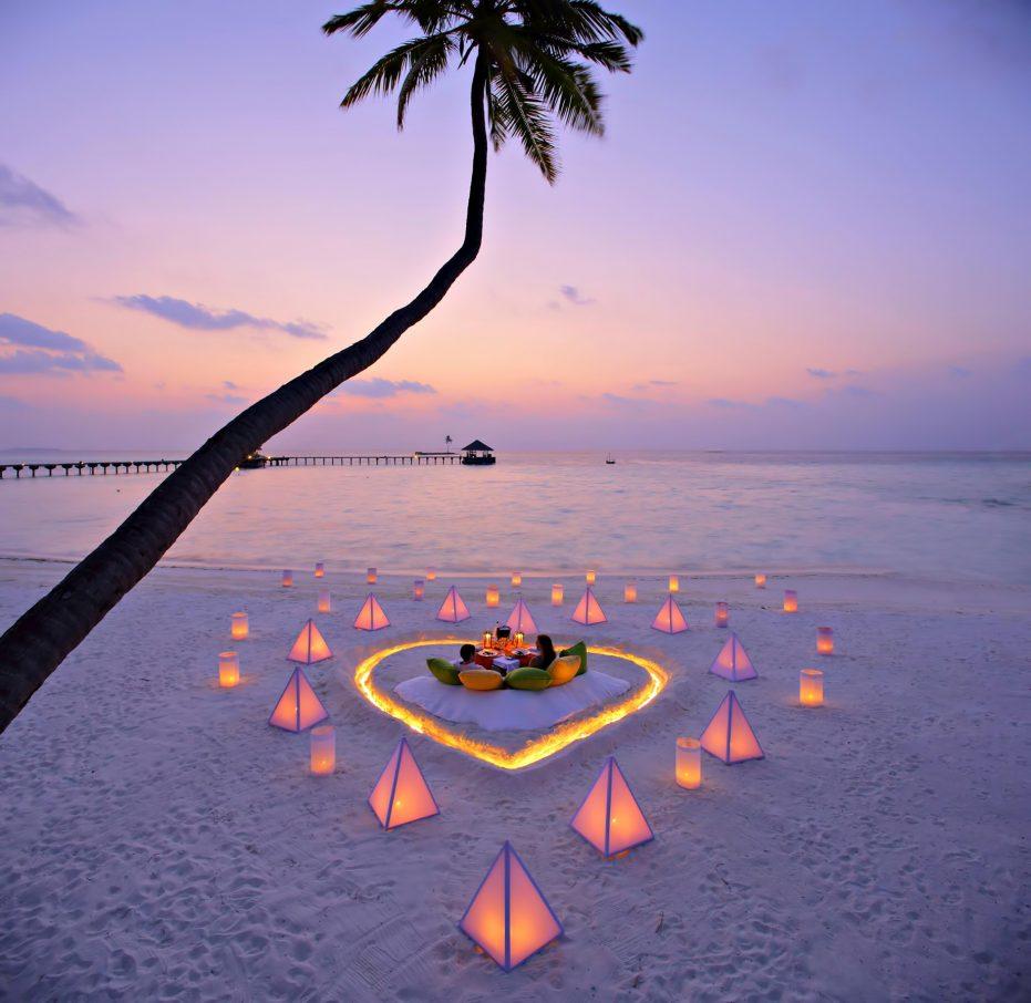 Gili Lankanfushi Luxury Resort - North Male Atoll, Maldives - Beach Heart Sand Lounge Sunset