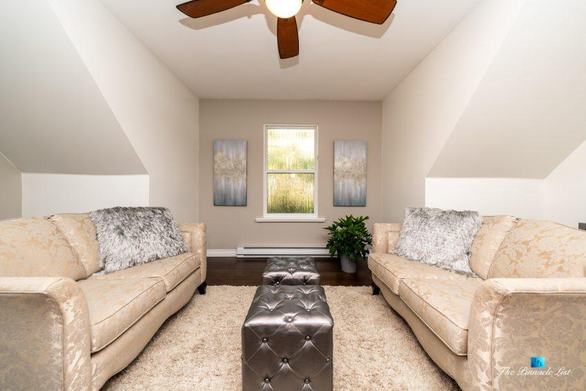 2366 Sunnyside Rd, Anmore, BC, Canada - Loft Sitting Area