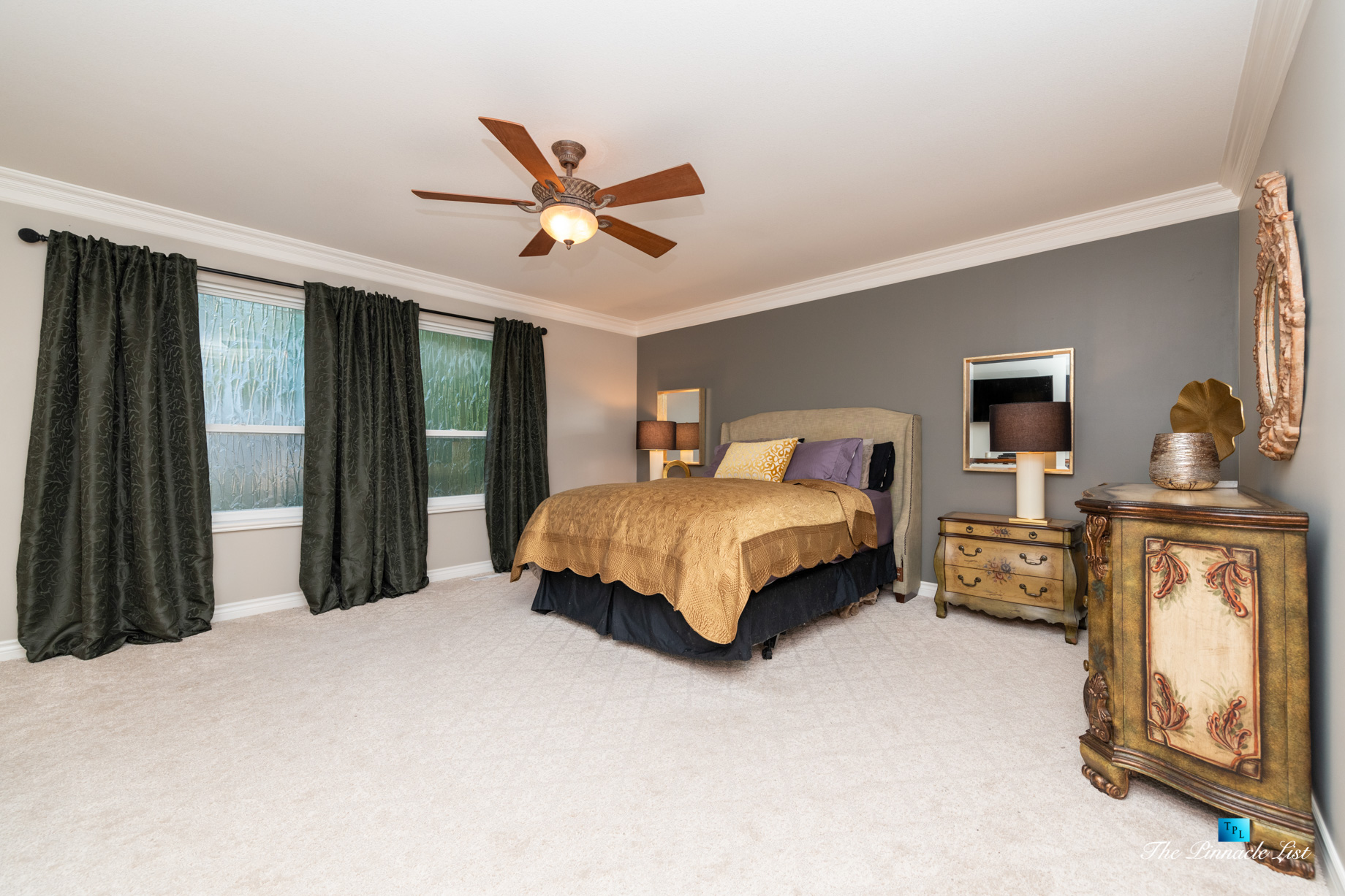 2366 Sunnyside Rd, Anmore, BC, Canada – Master Bedroom