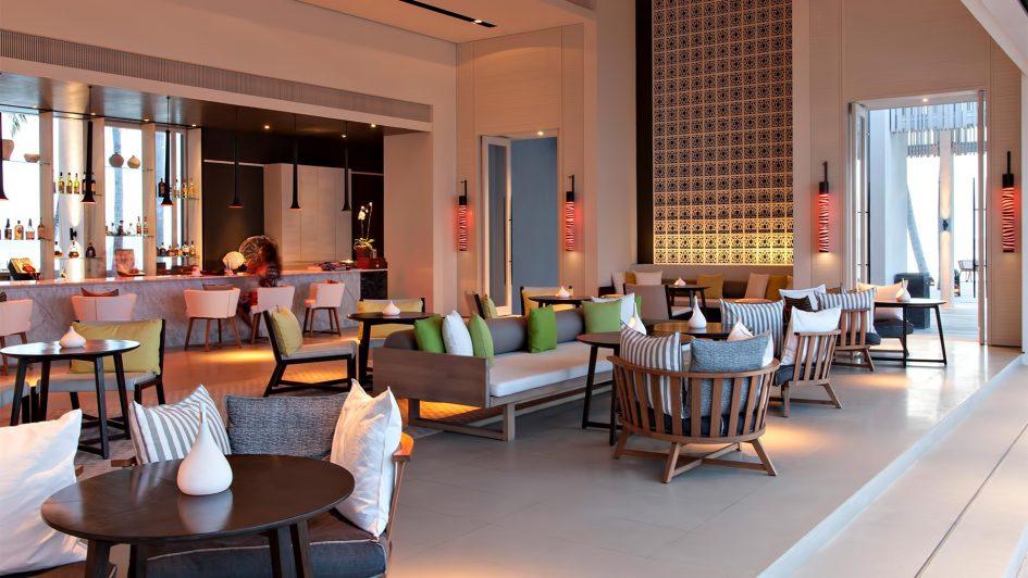 Cheval Blanc Randheli Luxury Resort - Noonu Atoll, Maldives - Pool Bar
