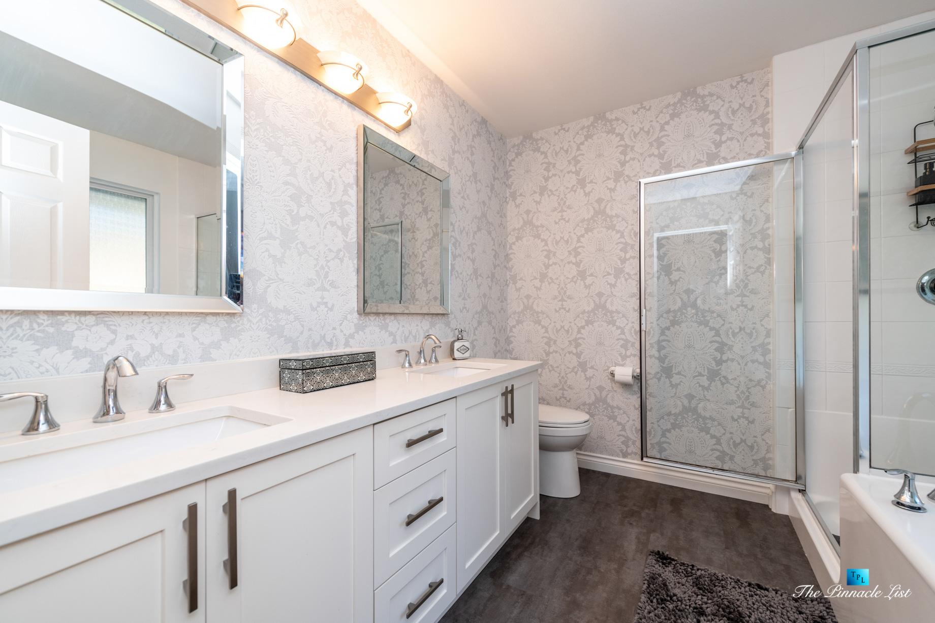 2366 Sunnyside Rd, Anmore, BC, Canada – Master Bathroom