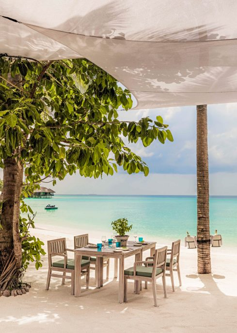 One&Only Reethi Rah Luxury Resort - North Male Atoll, Maldives - Beach Club Restaurant Oceanfront Table
