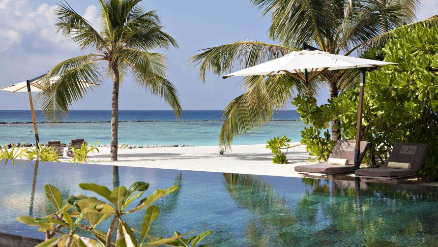 Cheval Blanc Randheli Luxury Resort - Noonu Atoll, Maldives - Beachfront Infinity Pool