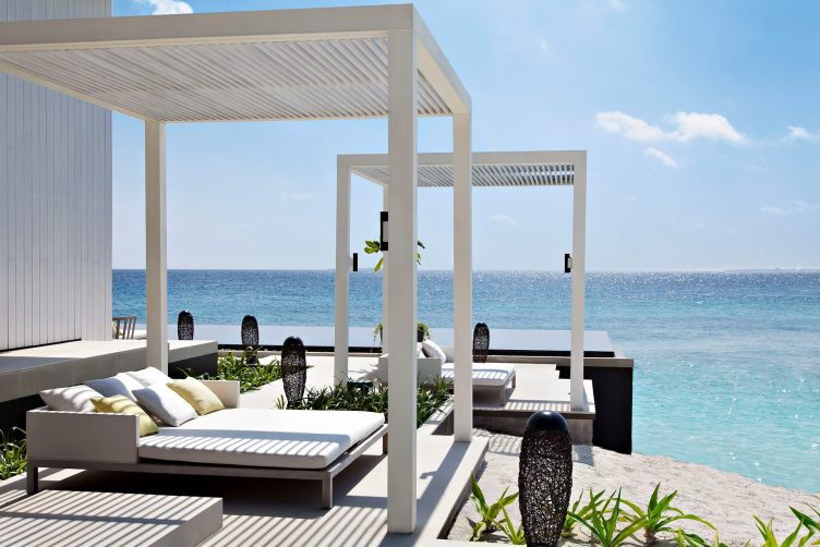 Cheval Blanc Randheli Luxury Resort - Noonu Atoll, Maldives - Beachfront Villa Infinity Pool Deck
