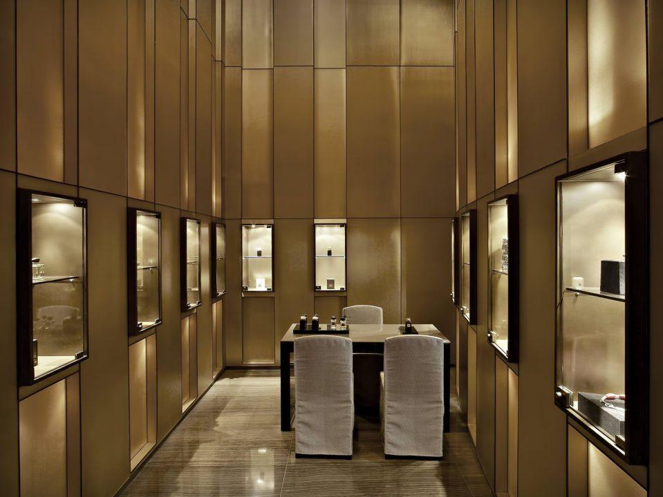 Armani Hotel Dubai - Burj Khalifa, Dubai, UAE - Armani Retail