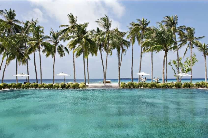 Cheval Blanc Randheli Luxury Resort - Noonu Atoll, Maldives - Oceanfront Pool