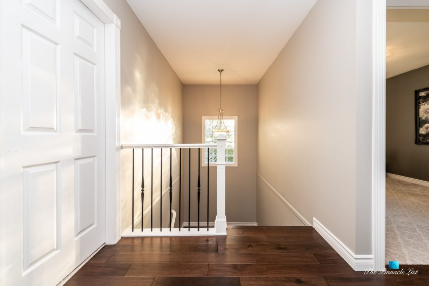 2366 Sunnyside Rd, Anmore, BC, Canada - Stairs