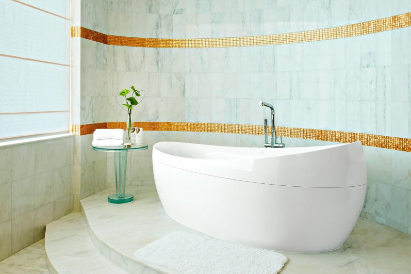 The St. Regis Abu Dhabi Luxury Hotel - Abu Dhabi, United Arab Emirates - Ultra Luxury Abu Dhabi Suite Bathtub