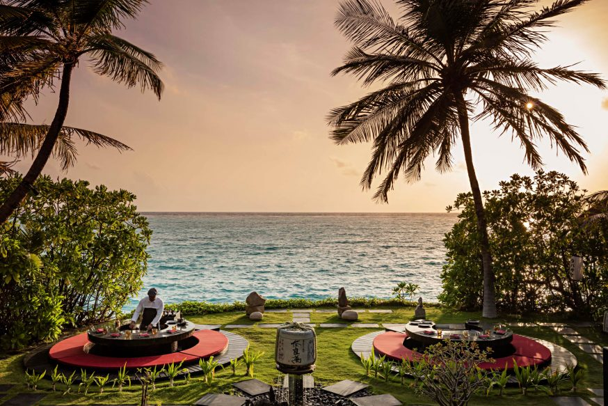 One&Only Reethi Rah Luxury Resort - North Male Atoll, Maldives - Oceanfront Outdoor Restaurant Tapasaki Tapanaki Tables