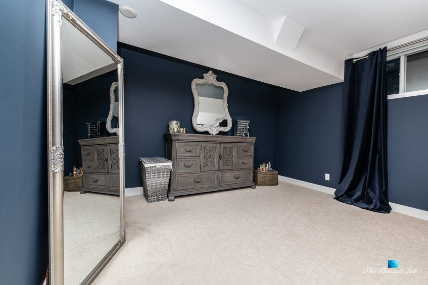 2366 Sunnyside Rd, Anmore, BC, Canada - Basment Bedroom Mirror