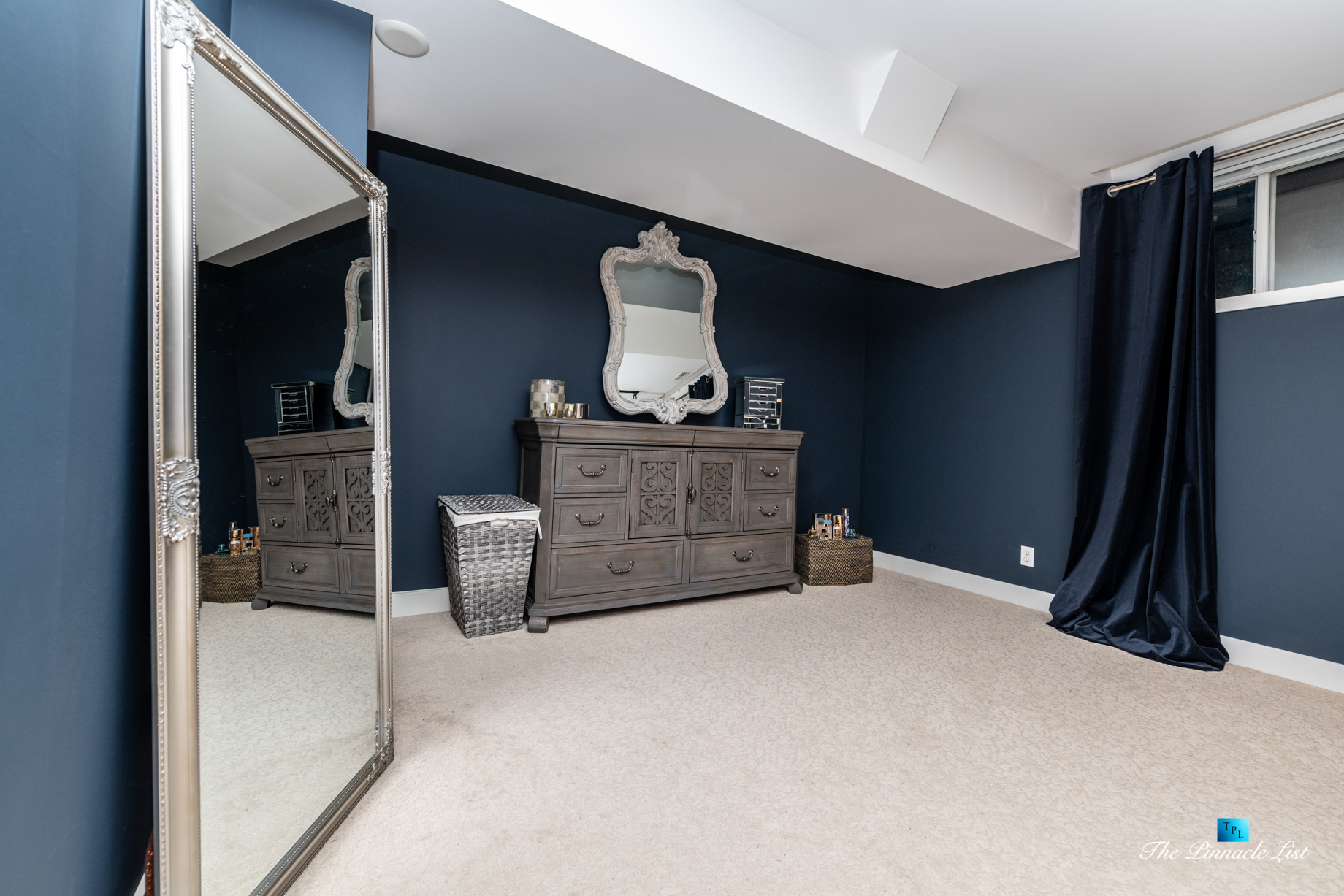 2366 Sunnyside Rd, Anmore, BC, Canada – Basment Bedroom Mirror