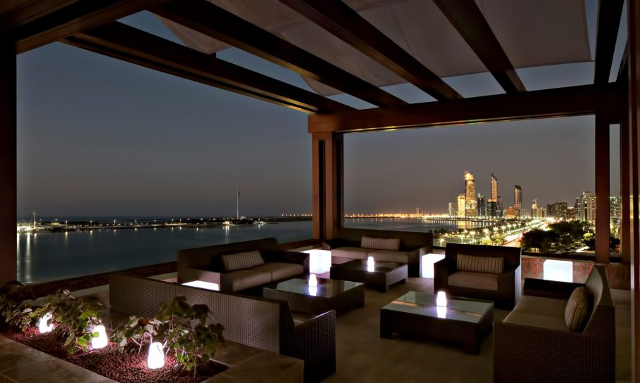 The St. Regis Abu Dhabi Luxury Hotel - Abu Dhabi, United Arab Emirates - Azura Panoramic Lounge Night