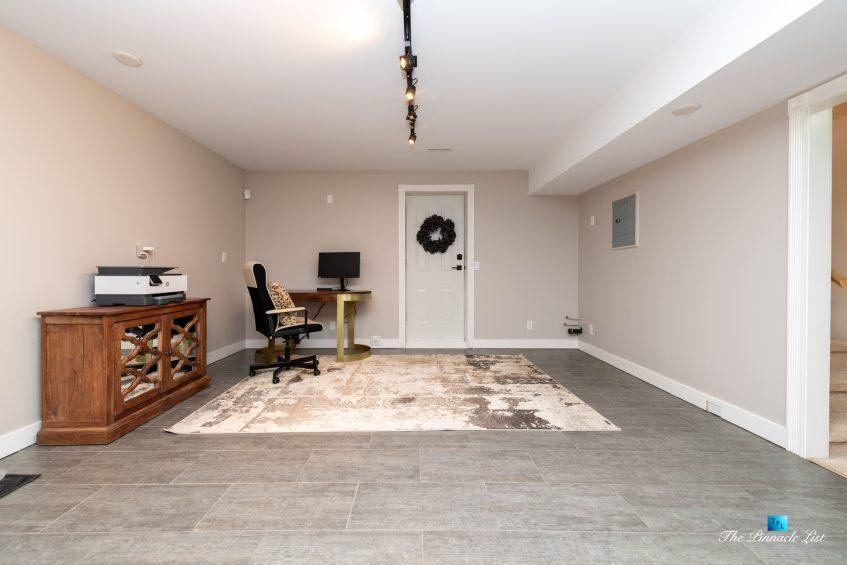 2366 Sunnyside Rd, Anmore, BC, Canada - Basment Computer Desk