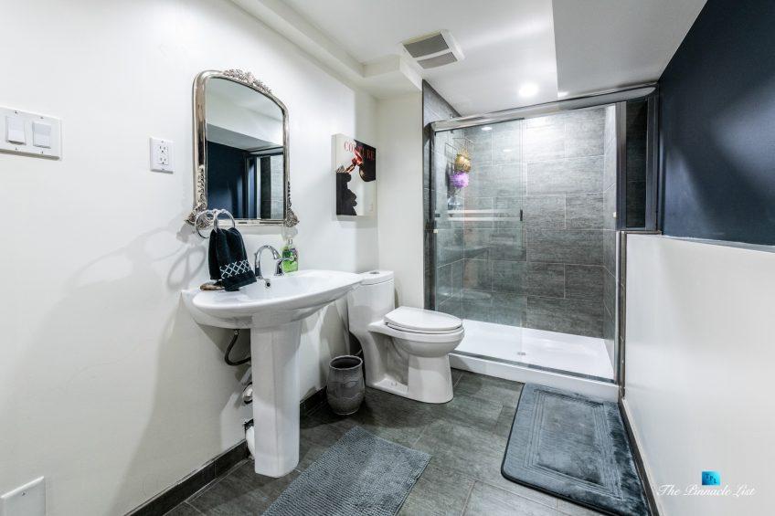 2366 Sunnyside Rd, Anmore, BC, Canada - Basment Washroom