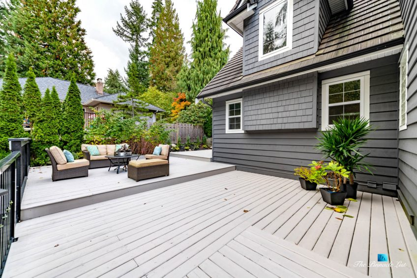 2366 Sunnyside Rd, Anmore, BC, Canada - Exterior Front Deck