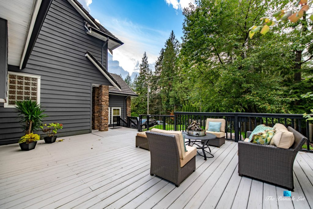 2366 Sunnyside Rd, Anmore, BC, Canada - Exterior Front Deck Lounge