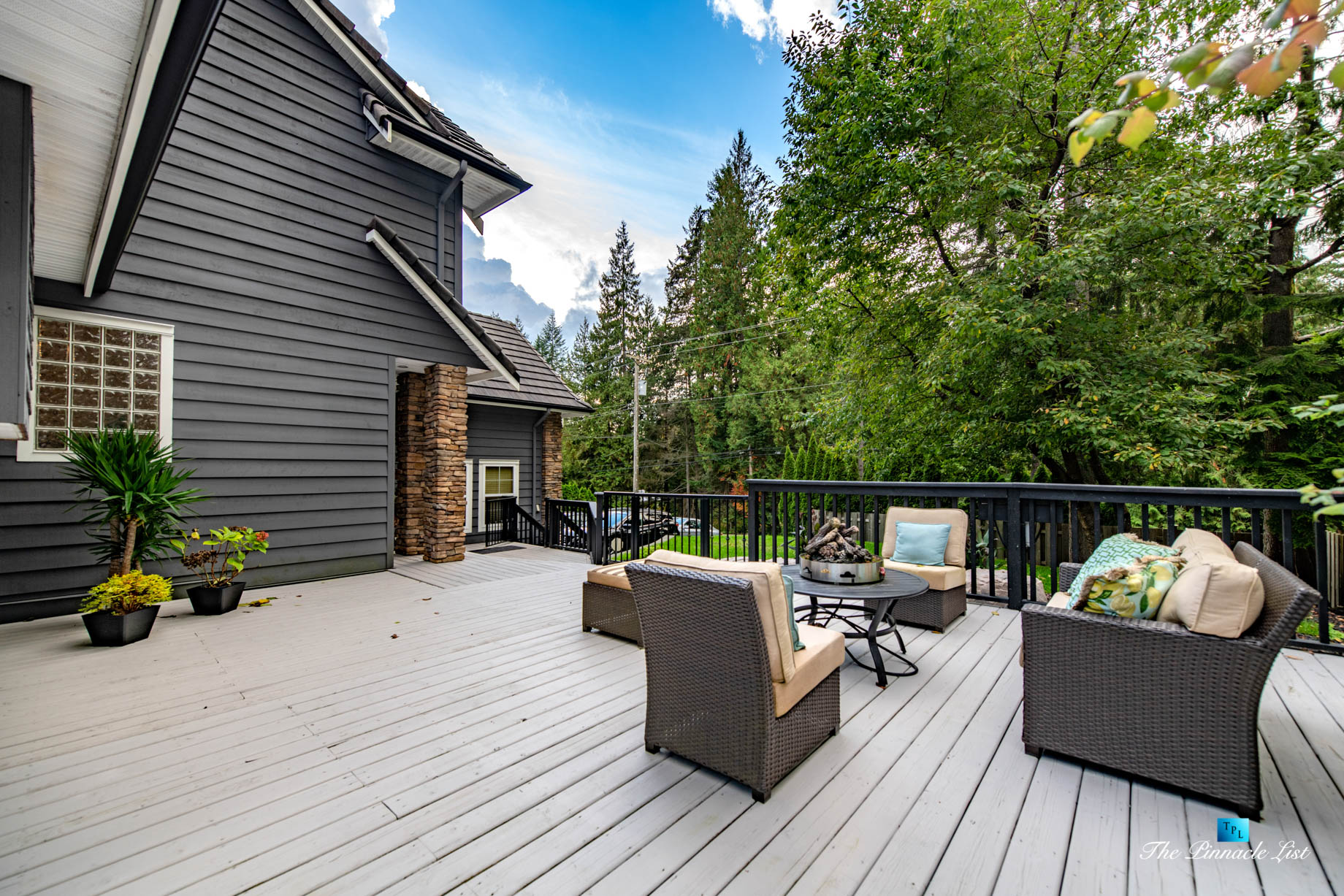 2366 Sunnyside Rd, Anmore, BC, Canada – Exterior Front Deck Lounge