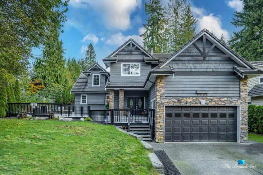 2366 Sunnyside Rd, Anmore, BC, Canada - Exterior Front