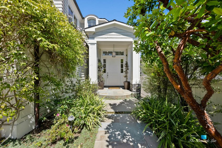 877 8th Street, Manhattan Beach, CA, USA - Front Exterior Door