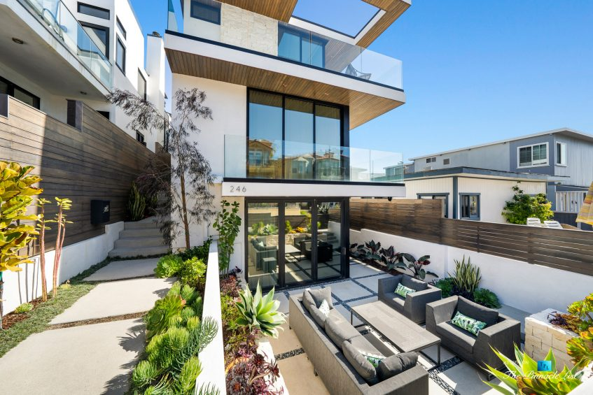 246 30th Street, Hermosa Beach, CA, USA - Exterior Front Patio