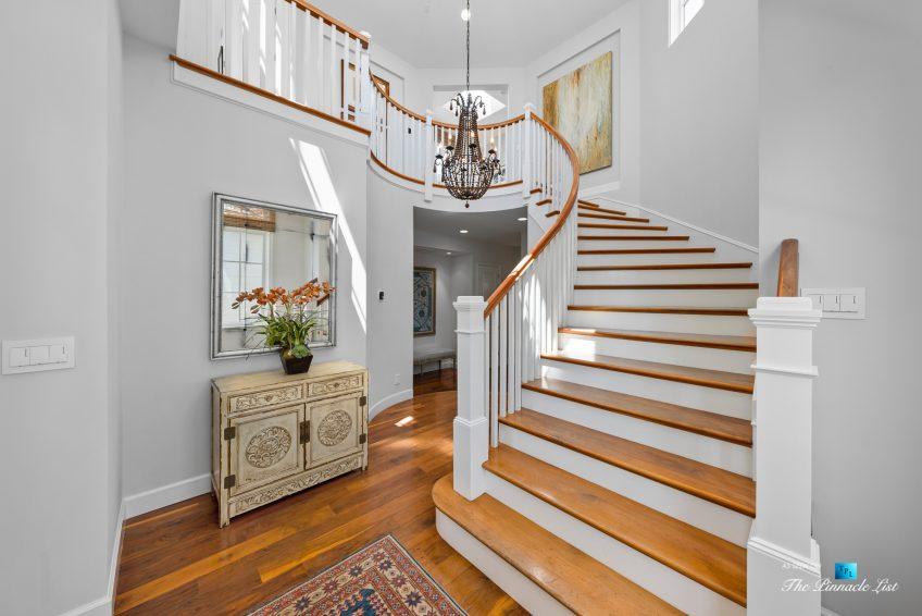 877 8th Street, Manhattan Beach, CA, USA - Front Entry Staircase