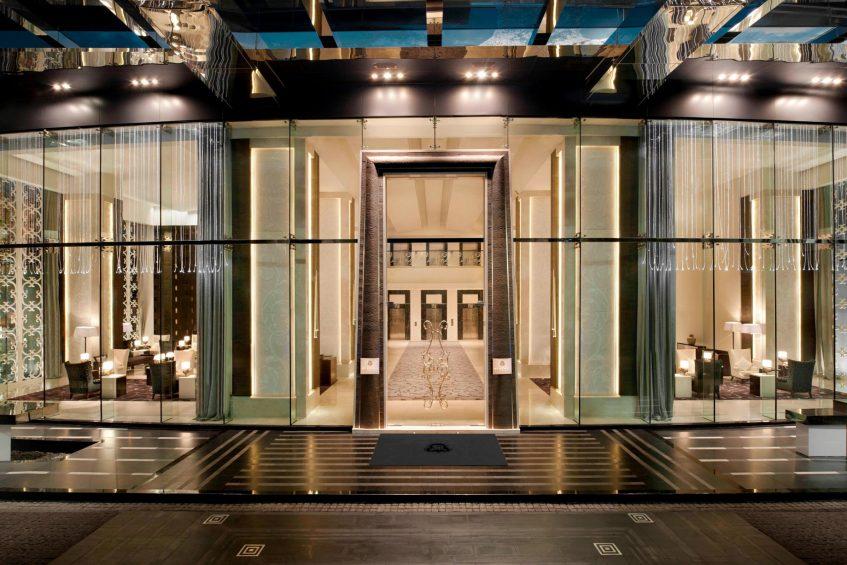 The St. Regis Bangkok Luxury Hotel - Bangkok, Thailand - Entrance