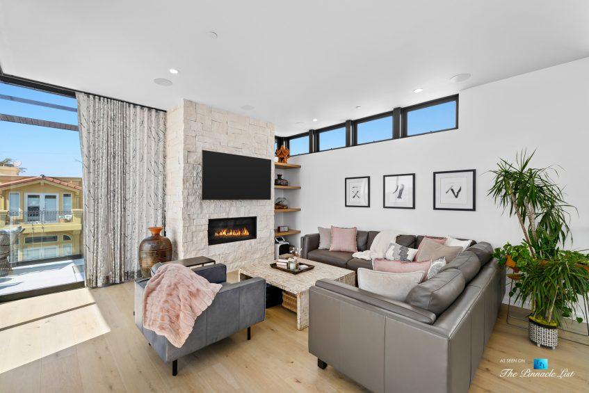 246 30th Street, Hermosa Beach, CA, USA - Living Room