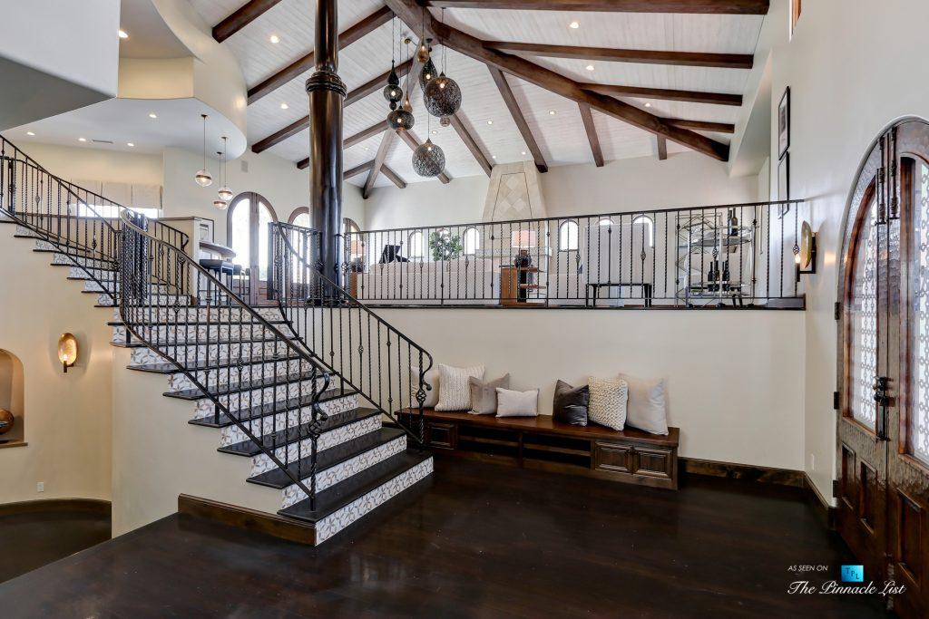 853 10th Street, Manhattan Beach, CA, USA - Foyer