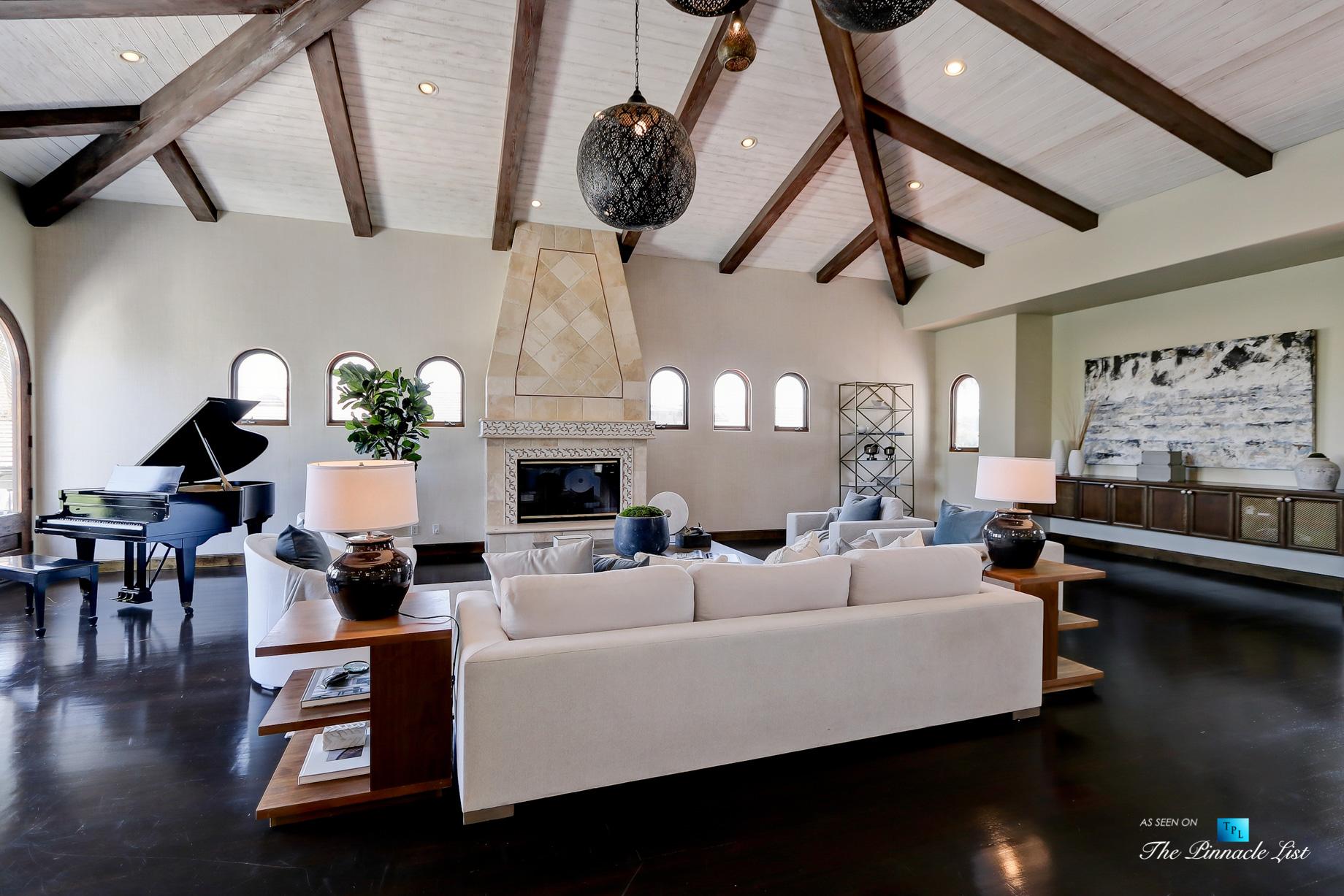 853 10th Street, Manhattan Beach, CA, USA – Living Room