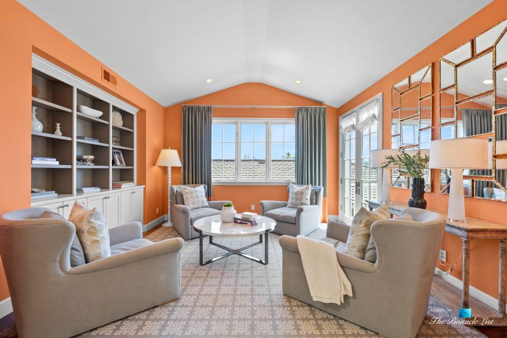 877 8th Street, Manhattan Beach, CA, USA - Reading Den