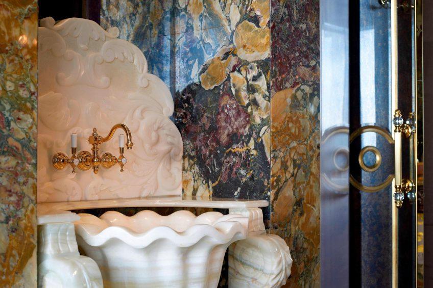 The St. Regis Singapore Luxury Hotel - Singapore - Luxurious Furnishings