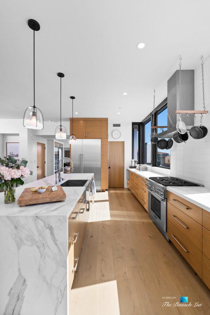 246 30th Street, Hermosa Beach, CA, USA - Kitchen Island