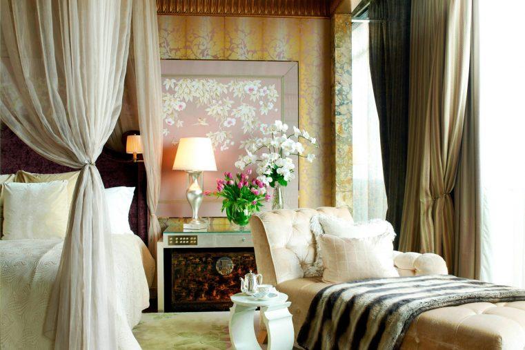 The St. Regis Singapore Luxury Hotel - Singapore - Presidential Suite Bedroom Divine Chaise Lounge