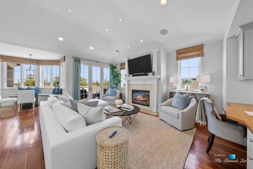 877 8th Street, Manhattan Beach, CA, USA - Living Room