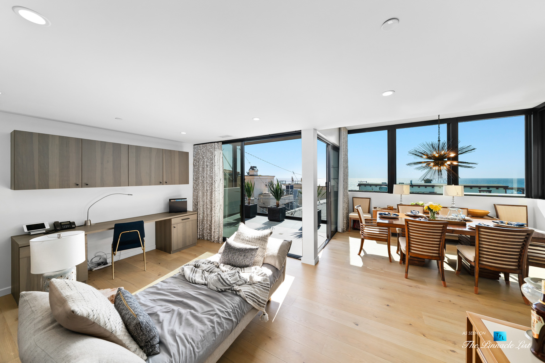 246 30th Street, Hermosa Beach, CA, USA – Upstairs Den and Dining Room