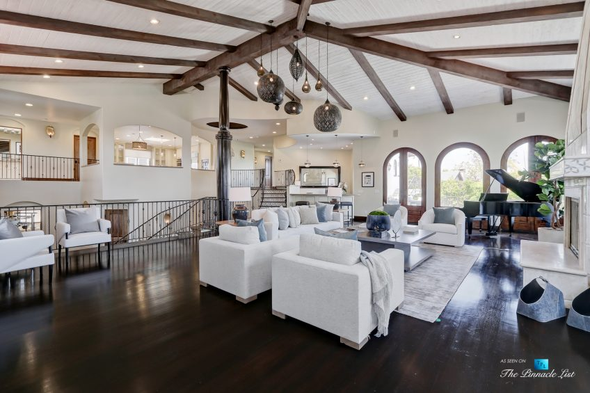 853 10th Street, Manhattan Beach, CA, USA - Living Room