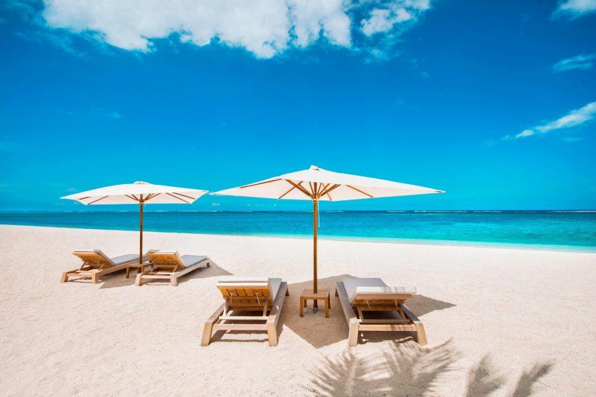 The St. Regis Mauritius Luxury Resort - Mauritius - Resort Beach Beds