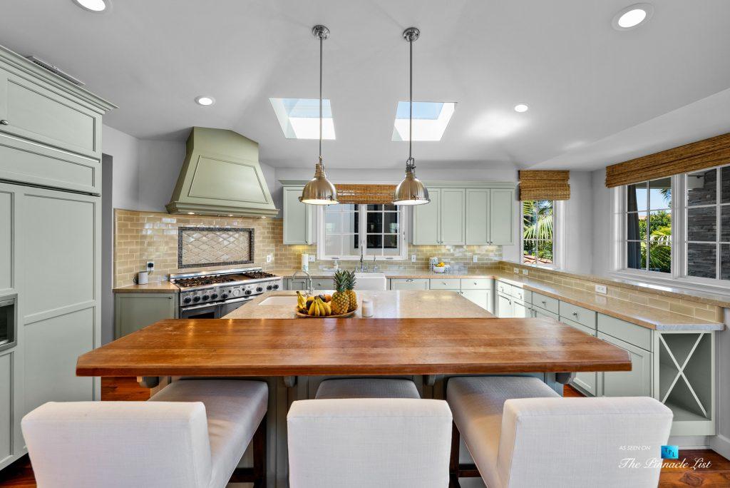877 8th Street, Manhattan Beach, CA, USA - Kitchen Island Seating