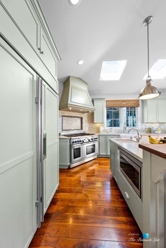 877 8th Street, Manhattan Beach, CA, USA - Kitchen