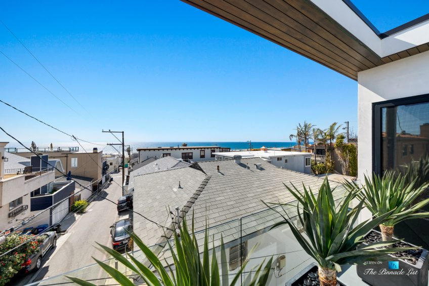 246 30th Street, Hermosa Beach, CA, USA - Dining Room Ocean View Patio