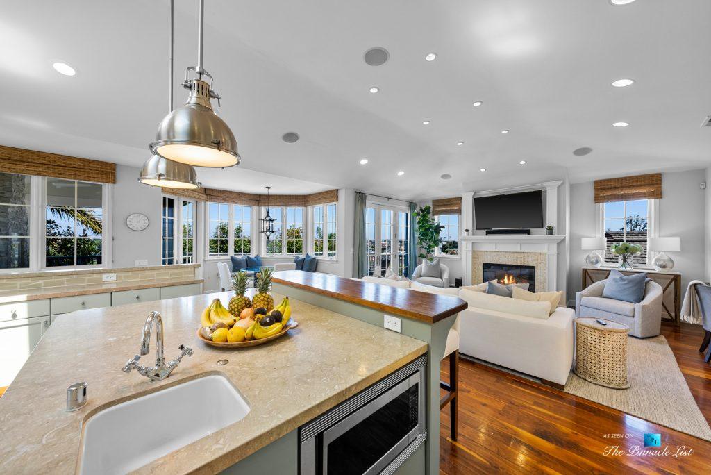 877 8th Street, Manhattan Beach, CA, USA - Kitchen and Living Room View