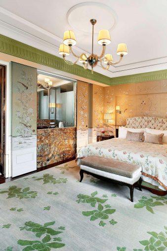 The St. Regis Singapore Luxury Hotel - Singapore - King Cole Suite Bedroom