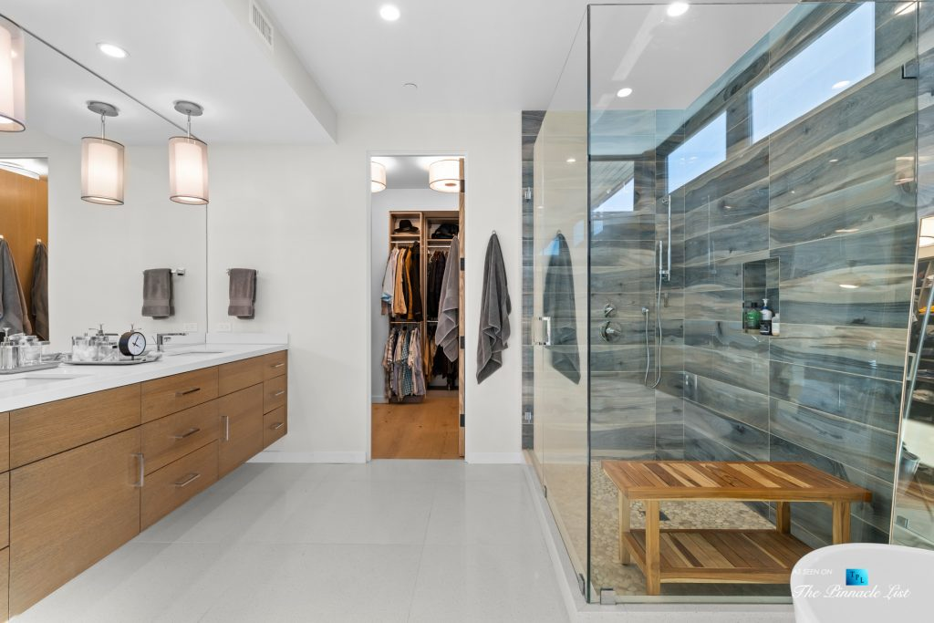 246 30th Street, Hermosa Beach, CA, USA - Master Bathroom