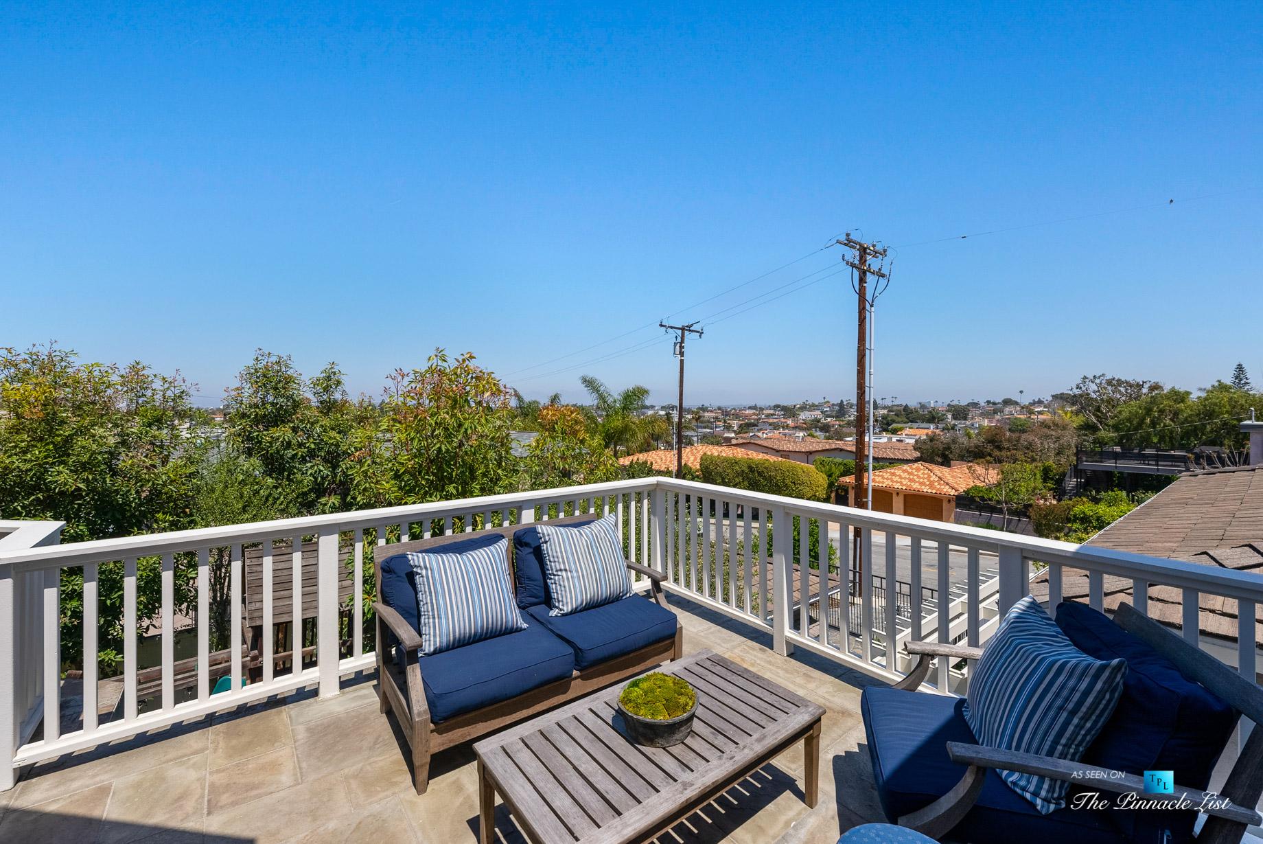 877 8th Street, Manhattan Beach, CA, USA – Top Level Patio Seating View
