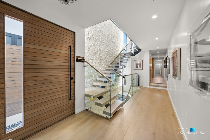 246 30th Street, Hermosa Beach, CA, USA - Entry Stairs